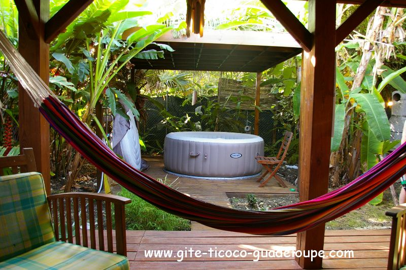 Bungalow - Gite TiCoco - Jacuzzi privatif